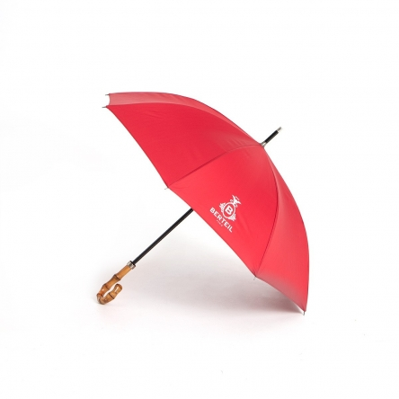 Parapluie traditionnel rouge manche bambou